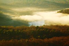 River Valley brumeuse Photo stock