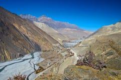 River Valley cerca de Jomosom, Nepal Foto de archivo