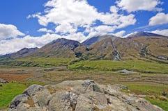 River Valley glacial e montes Fotografia de Stock