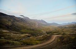 River Valley in Islanda Mountain View fotografia stock