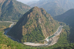 River yamuna winding thru mountains its ways through himalayan m Stock Photos