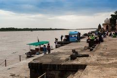 Riverbank with boats at the Ahilya fort maheshwar Stock Photo