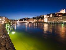 Riverbank de Pont Bonaparte y de Saone, Lyon Imagen de archivo libre de regalías