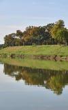 Riverbank odbicie Obrazy Royalty Free