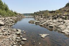 Riverbank roccioso immagine stock libera da diritti