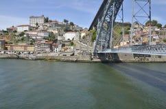 Riverbank und die Brücke Dom Luis Stockfotografie