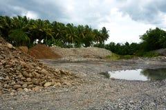 Riverbankbescherming in Bulatukan-rivier, Nieuwe Clarin, Bansalan, Davao del Sur, Filippijnen stock afbeeldingen