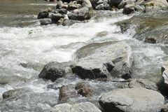 Riverbed Napan rzeka, lokalizujący przy Sitio Napan, Brgy Goma, Digos miasto, Davao Del Sura, Filipiny obraz royalty free