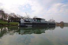 Riverboat i Frankrike Royaltyfri Foto
