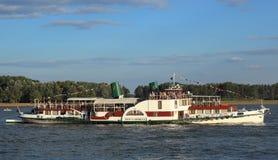 Riverboat med skovelhjul Arkivfoton