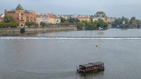 Riverfront van Vltava, Praag, Tsjechische Republiek Stock Afbeelding