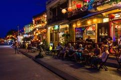Riverfrontrestauranger i sydliga Hoi An i Vietnam Arkivfoton