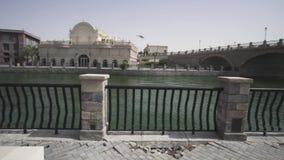 Riverland em parques de Dubai e os recursos armazenam o vídeo da metragem video estoque