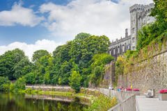 Riverside walk next to the kilkenny castle Royalty Free Stock Images