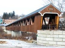 Riverwalk-überdachte Brücke Littleton, NH Stockfoto