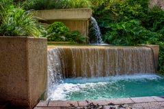 Riverwalk-Brunnen-Wasserfall lizenzfreies stockbild