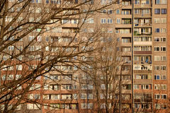 Rivesta la facciata di pannelli della costruzione (costruzione concreta prefabbricata) in Polonia Immagine Stock Libera da Diritti