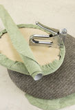 Rivestimento della parte della sedia dalla pistola della graffetta Fotografia Stock Libera da Diritti