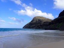 Rivestimento delle onde di oceano sulla spiaggia di Makapuu Fotografie Stock