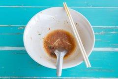 Rivestimento delle tagliatelle di yum di gatto di Eatting Fotografie Stock Libere da Diritti