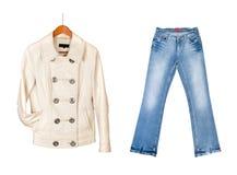 Rivestimento di cuoio e blue jeans Fotografie Stock