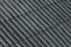 Rivestimento ondulato del tetto dell'amianto fotografia stock