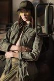 Rivestimento verde del wearinf stupefacente delle donne immagine stock