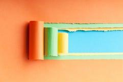 Rivet papper med avstånd för meddelande Fotografering för Bildbyråer