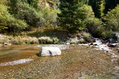 Rivière Akbulak, Kazakhstan photos libres de droits