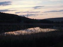 Rivière au crépuscule Images libres de droits