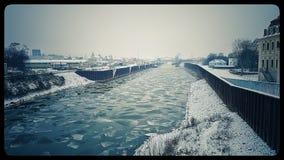 Rivière avec de la glace Photos stock