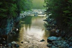 Rivière blanche de montagnes Image libre de droits