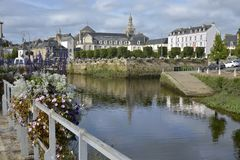 Rivière chez Quimperlé en France photos stock