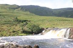 Rivière d'Erriff au parc national de Connemara, Irlande photos libres de droits