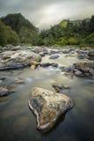 Rivière d'Ohinemuri, gorge de Karangahake Photographie stock libre de droits