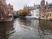 Rivière dans Bruge photos libres de droits