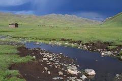 Rivière dans la steppe mongole Photographie stock