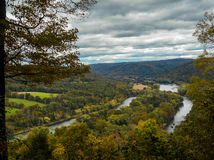 Rivière dans les montagnes Images libres de droits