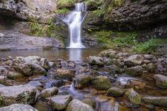 Rivière dans les montagnes de Soria, Espagne images stock