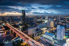 Rivière de Chaophraya, Bangkok Photographie stock libre de droits