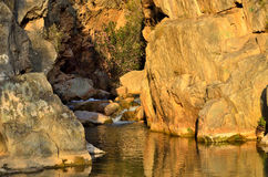 Rivière de Chelva de traînée de l'eau le playeta photo libre de droits