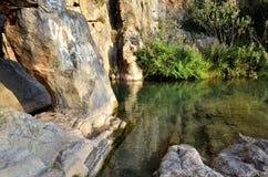 Rivière de Chelva de traînée de l'eau le playeta image libre de droits