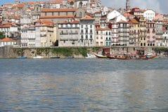 Rivière de Douro et les bateaux Photo stock