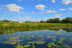 Rivière de Kamenka dans Suzdal photos stock