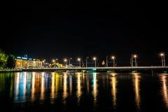 Rivière de l'Europe la nuit photo libre de droits