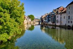 Rivière de Loue dans Ornans Image stock