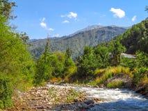 Rivière de montagne à Almaty Photographie stock libre de droits