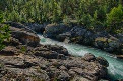 Rivière de montagne dans le voyage d'été de la Norvège Photos stock