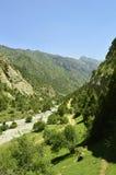 Rivière de montagne en gorge de Galuyan, Kirghizistan Photo libre de droits