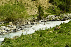 Rivière de montagne, gorge de Galuyan, Kirghizistan Photo libre de droits